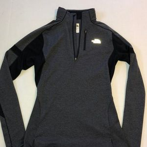 The north face pull over